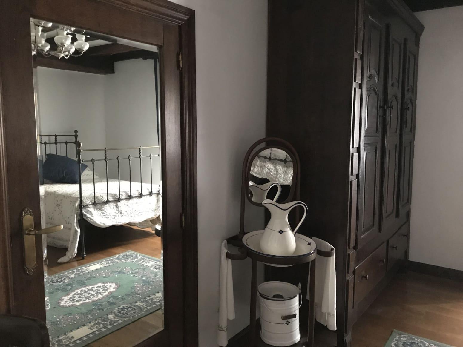 4 soveværelse Villa til leje i Pamplona / Iruna - € 1.000 (Ref: 5068163)