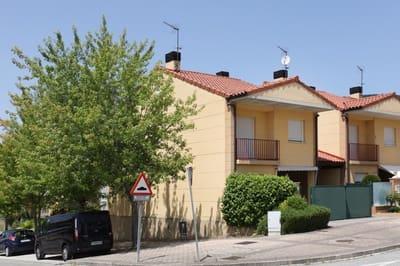 4 chambre Villa/Maison Mitoyenne à vendre à Olloki - 330 000 € (Ref: 5114922)