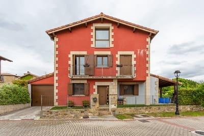 4 bedroom Terraced Villa for sale in Aranguren with garage - € 360,000 (Ref: 5341862)