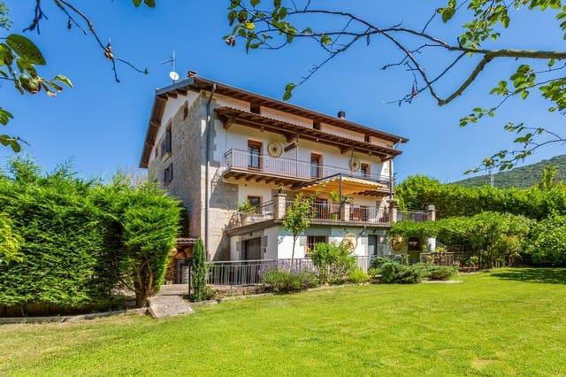 8 soveværelse Rækkehus til salg i Irurtzun med garage - € 590.000 (Ref: 5481144)