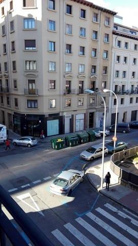 3 slaapkamer Flat te huur in Pamplona - € 800 (Ref: 5559533)