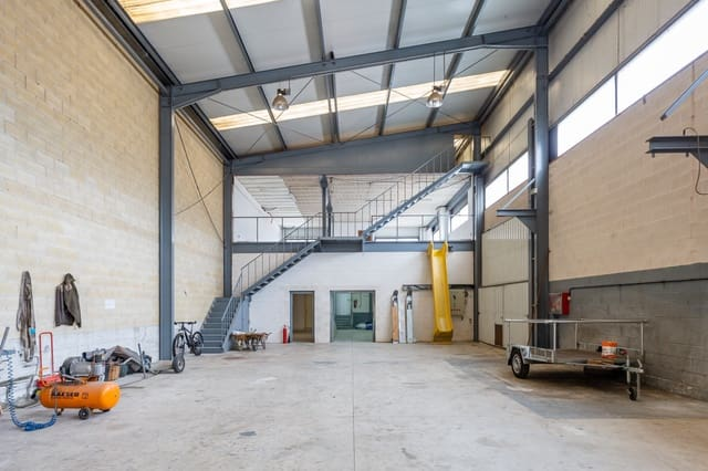 Commercial for sale in Noain - € 315,000 (Ref: 5737380)