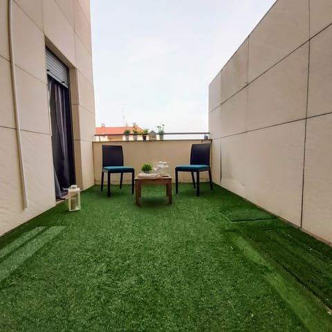 Piso de 2 habitaciones en Logroño en venta con piscina garaje - 189.900 € (Ref: 5876258)