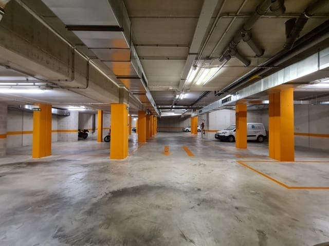 Garage til salg i Pamplona / Iruna - € 90.000 (Ref: 5876261)