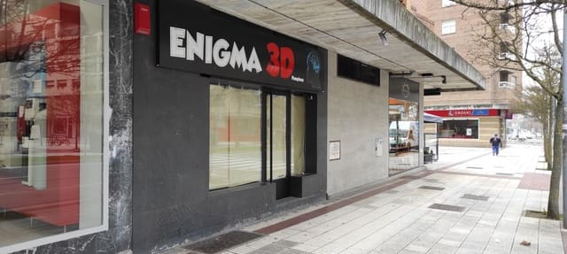 Commercial for sale in Pamplona / Iruna - € 200,000 (Ref: 5967877)