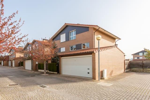 6 soveværelse Rækkehus til salg i Zuasti med garage - € 340.000 (Ref: 5997086)