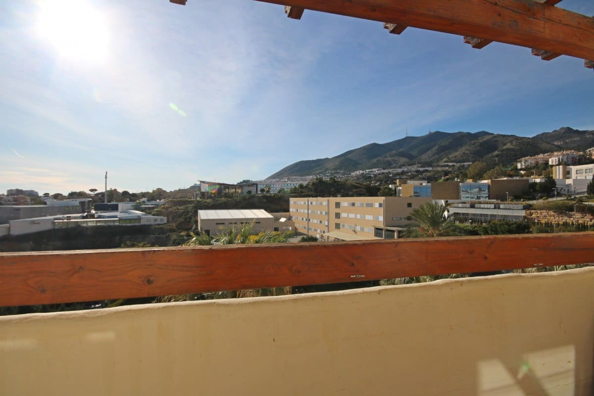 2 bedroom Apartment for sale in Benalmadena with pool garage - € 179,900 (Ref: 5129448)