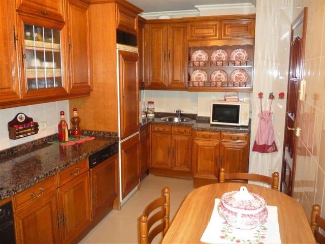 Piso de 4 habitaciones en Pravia en venta con garaje - 95.000 € (Ref: 4805534)