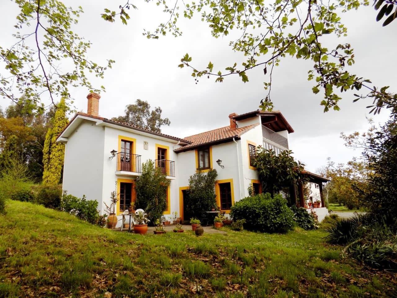 Finca/Casa Rural de 5 habitaciones en Castrillón en venta - 470.000 € (Ref: 4805561)