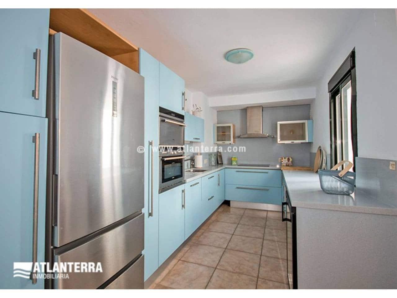 4 slaapkamer Flat voor vakantieverhuur in Zahara de los Atunes met zwembad garage - € 2.200 (Ref: 5711555)