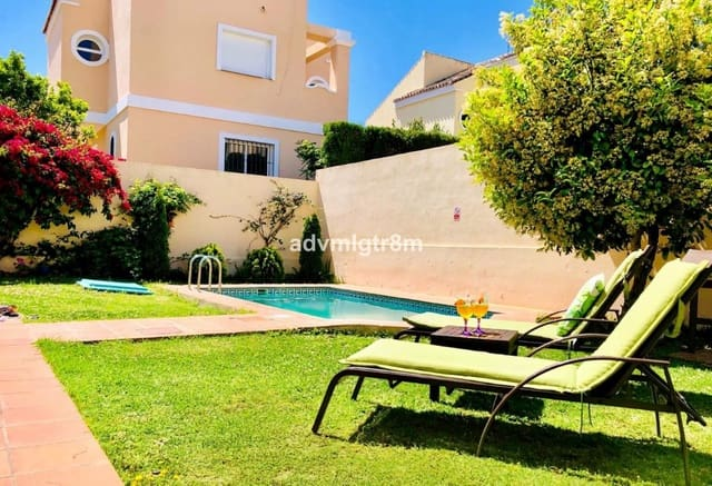 4 bedroom Villa for holiday rental in Costalita with pool - € 3,000 (Ref: 5835214)