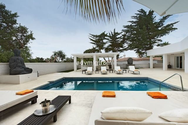 4 bedroom Villa for holiday rental in Marbesa with pool - € 4,000 (Ref: 5880818)
