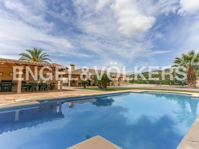 5 bedroom Villa for sale in Banyeres de Mariola with pool garage - € 450,000 (Ref: 4821869)