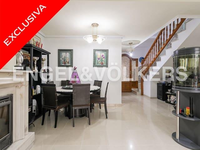 Adosado de 4 habitaciones en Alfara del Patriarca en venta - 290.000 € (Ref: 4829327)