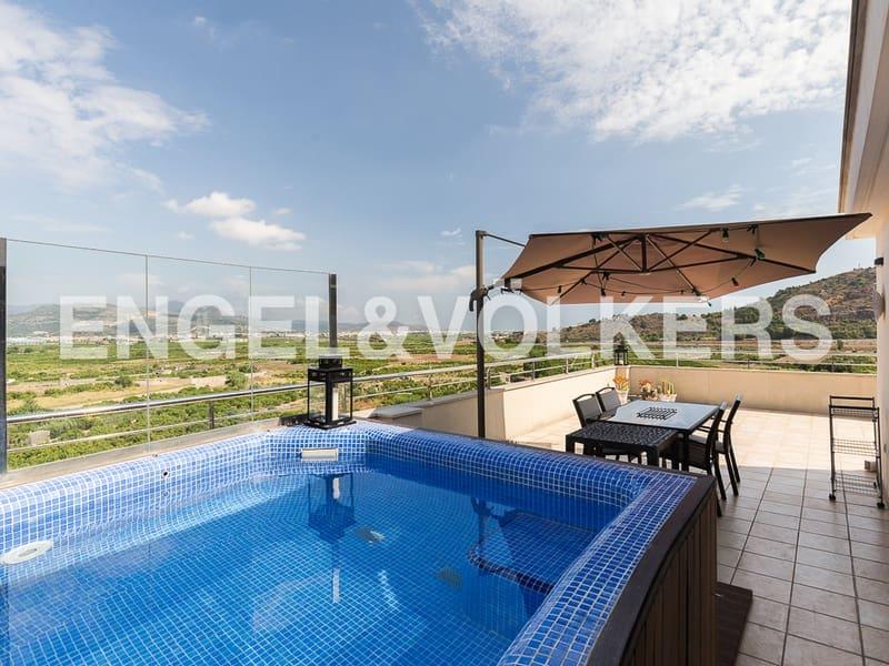 Piso de 4 habitaciones en La Font d'En Carròs en venta con piscina garaje - 269.000 € (Ref: 4829329)