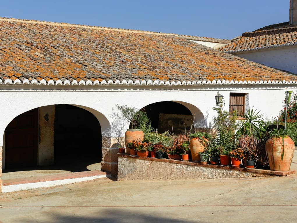 11 bedroom Finca/Country House for sale in Serra with pool garage - € 6,000,000 (Ref: 4883401)