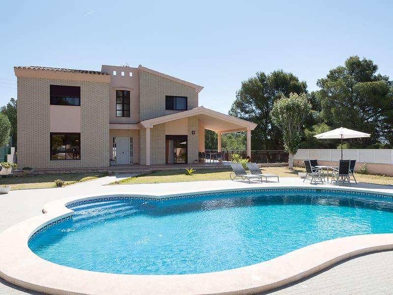 4 bedroom Semi-detached Villa for sale in Benicassim with pool garage - € 980,000 (Ref: 4947883)