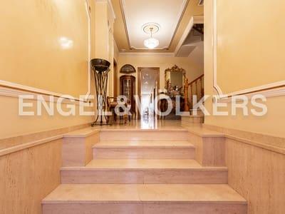 8 bedroom Semi-detached Villa for sale in Massanassa with garage - € 425,000 (Ref: 4986298)