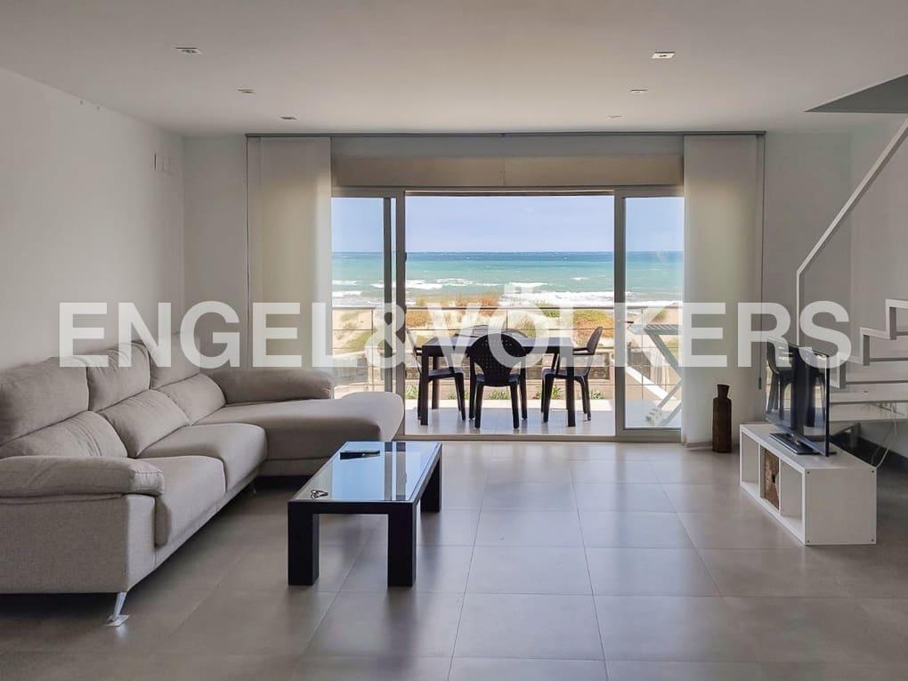 Villa/Maison Semi-Mitoyenne de 2 chambres à louer à Gandia - 4 000 € (Ref: 5313699)