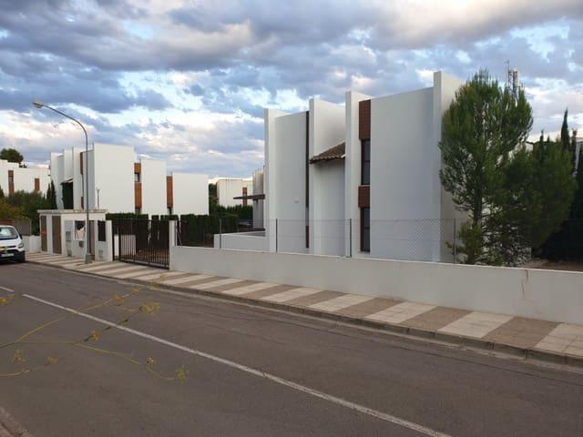 4 slaapkamer Villa te huur in Chiva met zwembad garage - € 1.400 (Ref: 5583810)