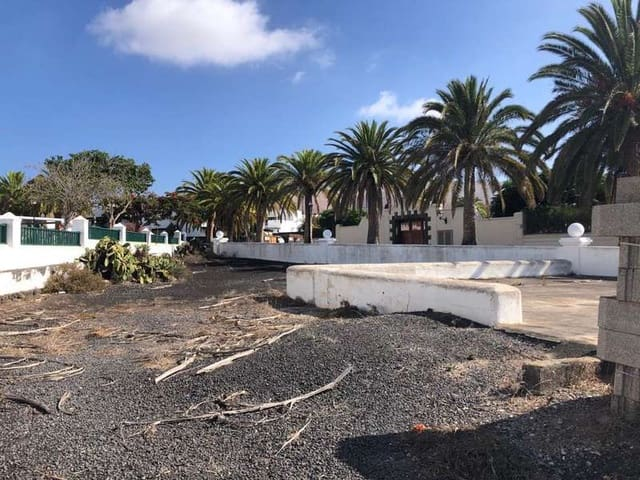 5 chambre Finca/Maison de Campagne à vendre à Yaiza avec garage - 211 000 € (Ref: 5555942)