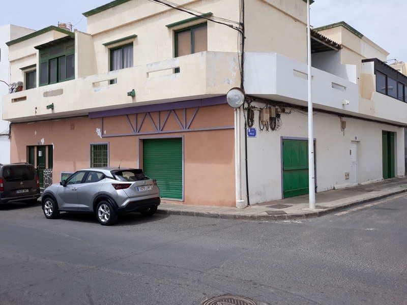 Komercyjne na sprzedaż w Arrecife z garażem - 230 000 € (Ref: 6141821)