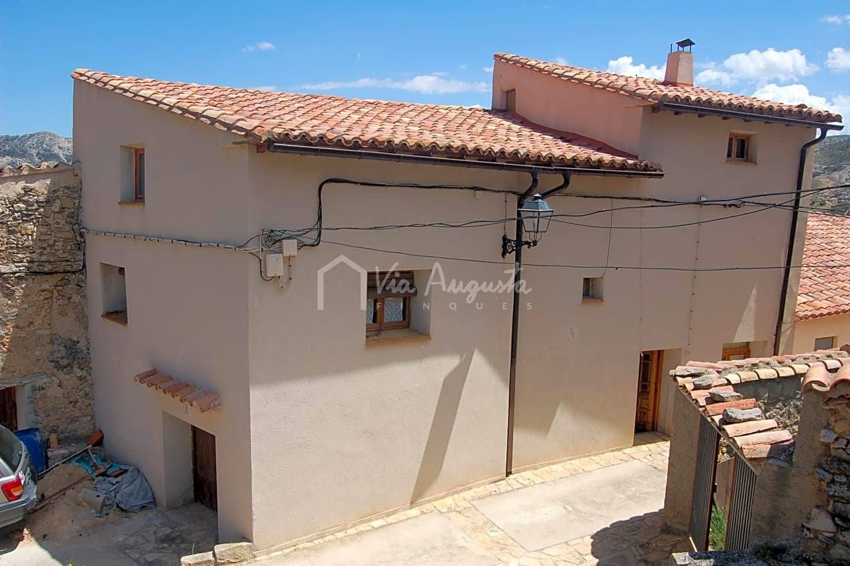 Chalet de 3 habitaciones en Castellote en venta - 120.000 € (Ref: 4985196)