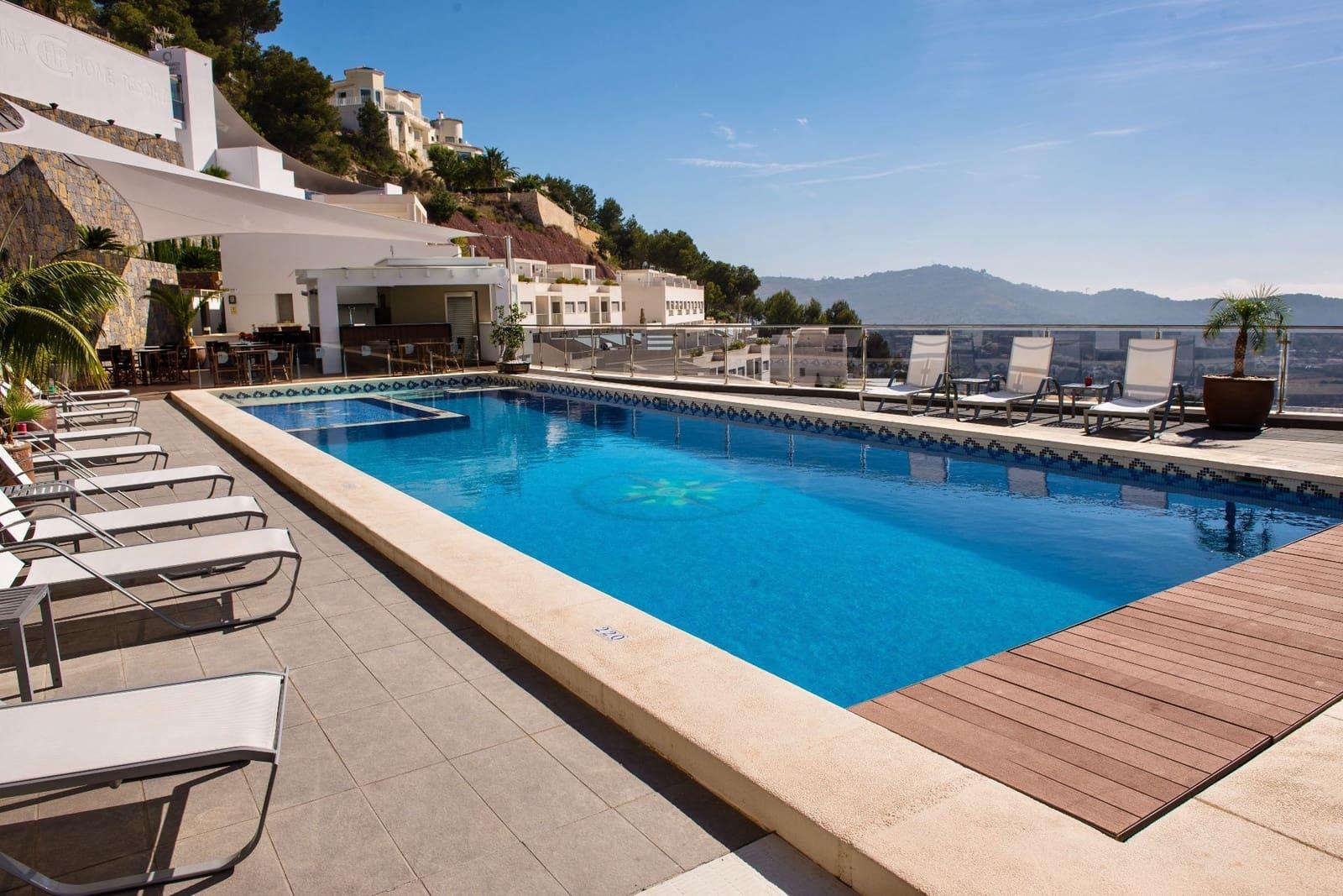 2 soveværelse Bungalow til leje i Calpe / Calp med swimmingpool - € 800 (Ref: 5997287)