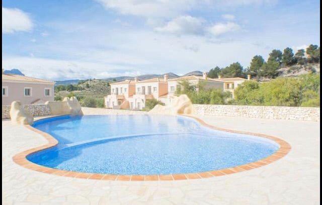 3 soveværelse Bungalow til leje i Calpe / Calp med swimmingpool - € 900 (Ref: 6083168)
