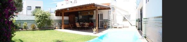3 bedroom Villa for rent in Chipiona - € 1,800 (Ref: 4831418)