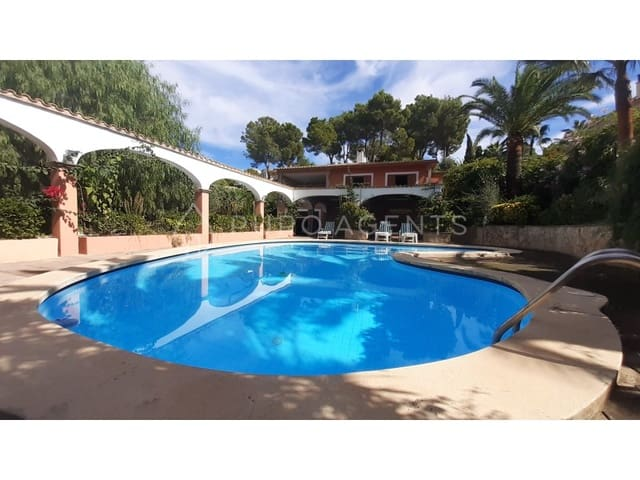 4 soveværelse Villa til salg i Santa Ponsa med swimmingpool garage - € 1.378.000 (Ref: 6383059)