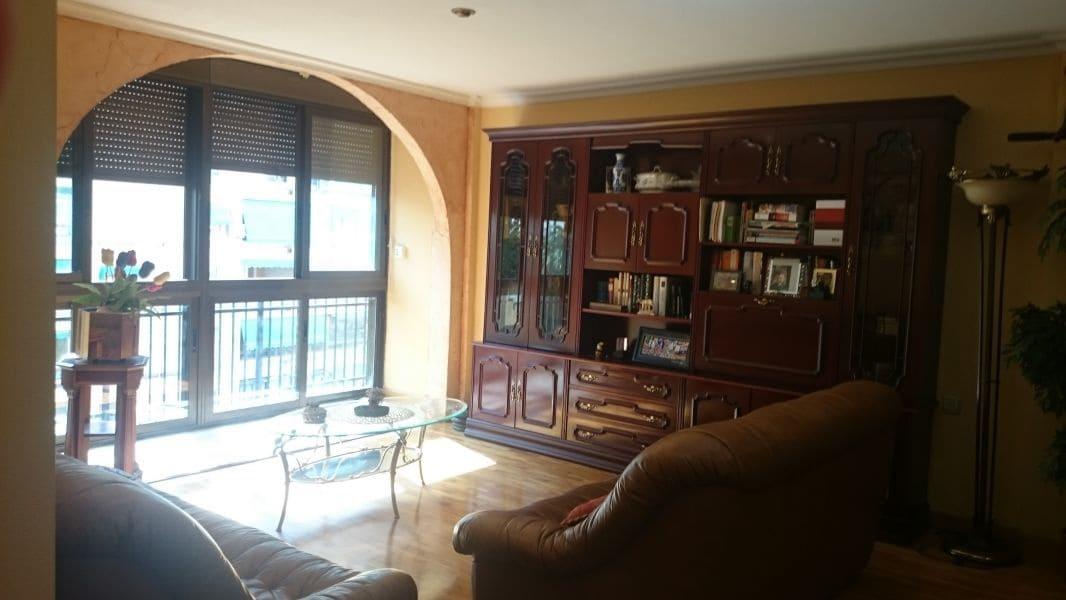 Piso de 4 habitaciones en Orihuela en venta - 109.999 € (Ref: 4837800)