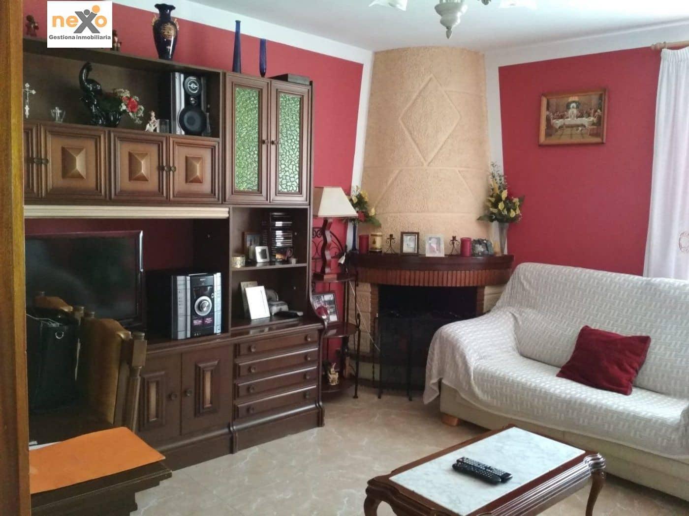 Piso de 3 habitaciones en Orihuela en venta - 38.500 € (Ref: 4837955)