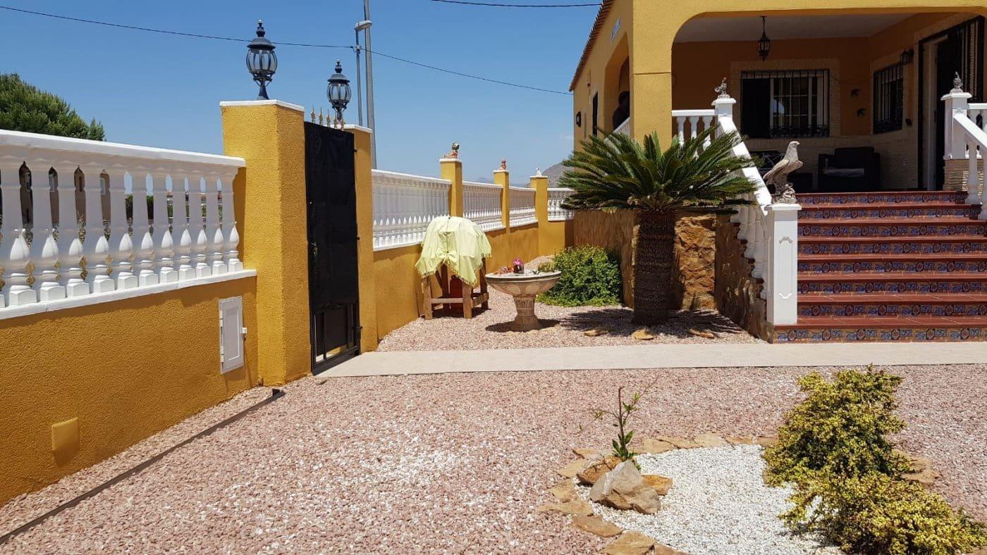 Chalet de 3 habitaciones en Orihuela en venta con piscina - 164.990 € (Ref: 4837986)