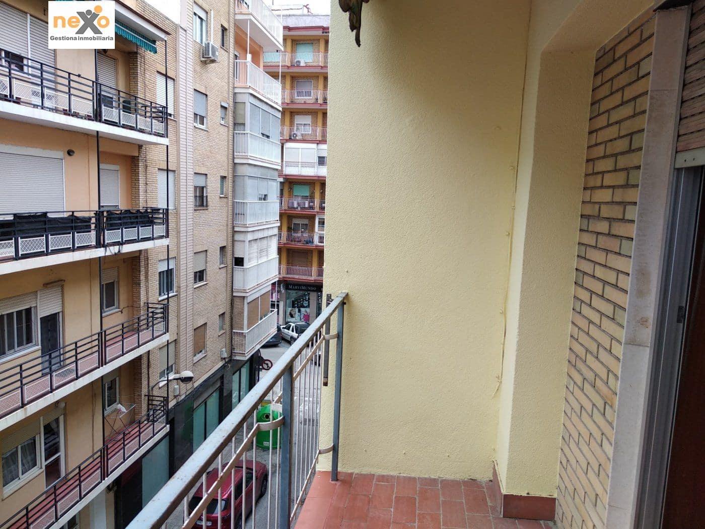 Piso de 3 habitaciones en Orihuela en venta - 49.990 € (Ref: 5058608)