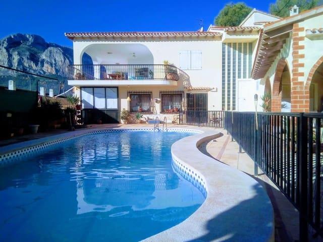 3 soveværelse Villa til salg i Chirles med swimmingpool - € 265.000 (Ref: 6039277)