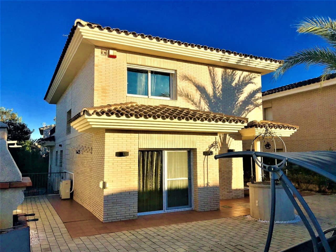 4 soverom Villa til salgs i Cambrils med svømmebasseng garasje - € 990 000 (Ref: 4849665)