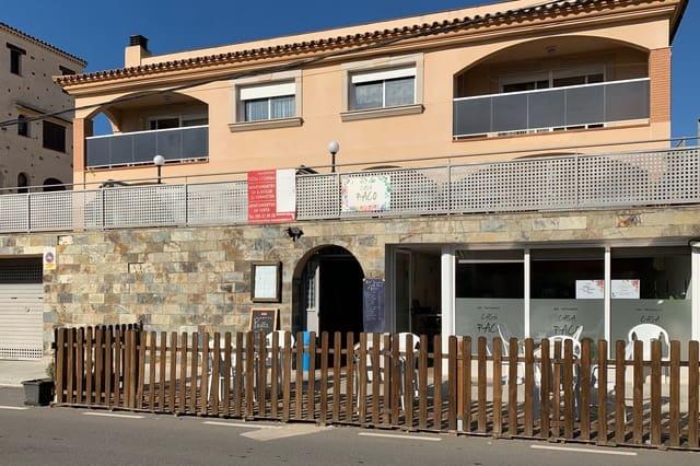 Piso de 3 habitaciones en Montroig-Mar en venta con piscina garaje - 1.300.000 € (Ref: 5470299)