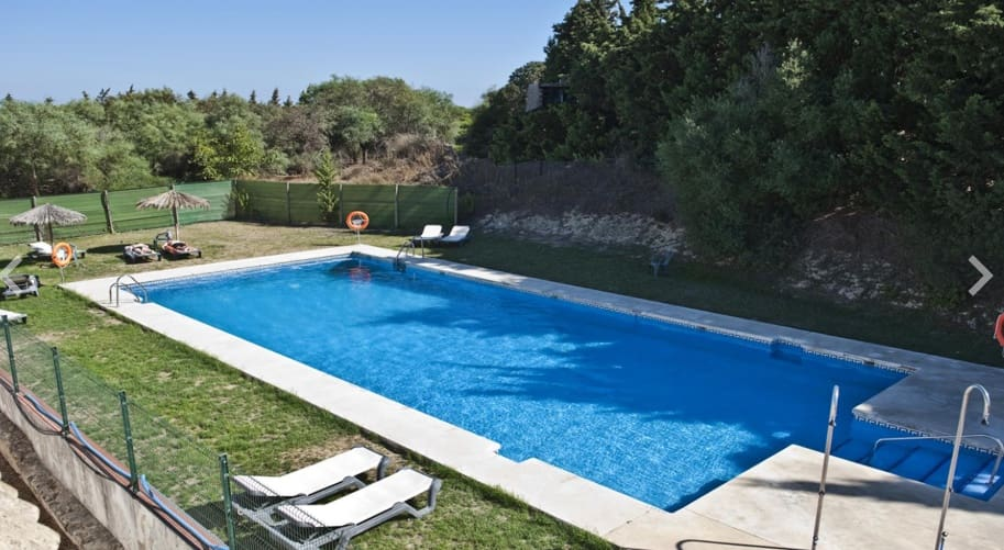 Hotel de 28 habitaciones en Vejer de la Frontera en venta - 2.500.000 € (Ref: 5418195)
