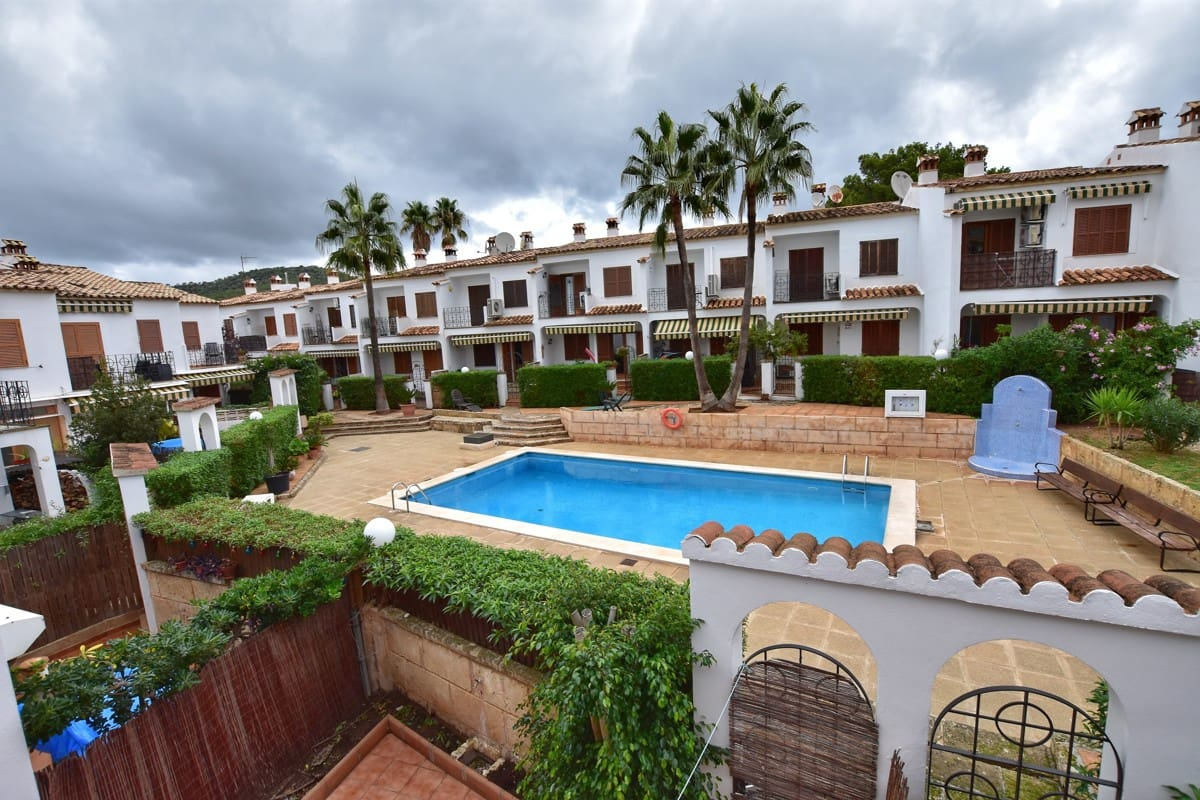 3 bedroom Townhouse for sale in Calvia with pool - € 340,000 (Ref: 5042970)