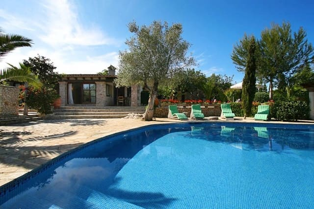 4 bedroom Finca/Country House for sale in Pollensa / Pollenca - € 2,200,000 (Ref: 5416835)