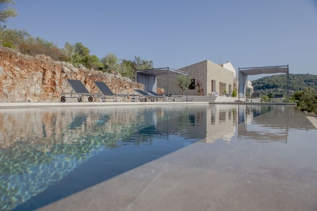 5 bedroom Finca/Country House for sale in Manacor - € 3,840,000 (Ref: 5827721)