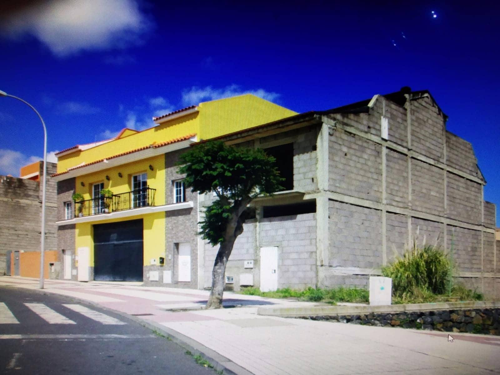 Pareado de 4 habitaciones en La Orotava en venta con garaje - 145.510 € (Ref: 5321060)