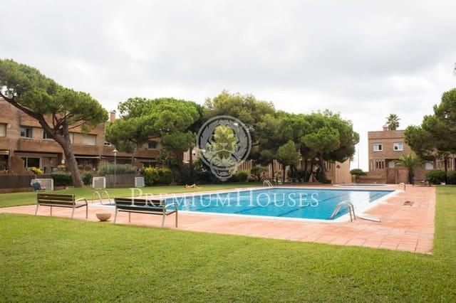Adosado de 4 habitaciones en Castelldefels en venta con piscina garaje - 1.025.000 € (Ref: 5533615)