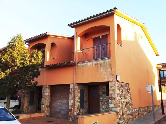 Adosado de 3 habitaciones en Bellcaire d'Empordà en venta - 245.000 € (Ref: 5917778)