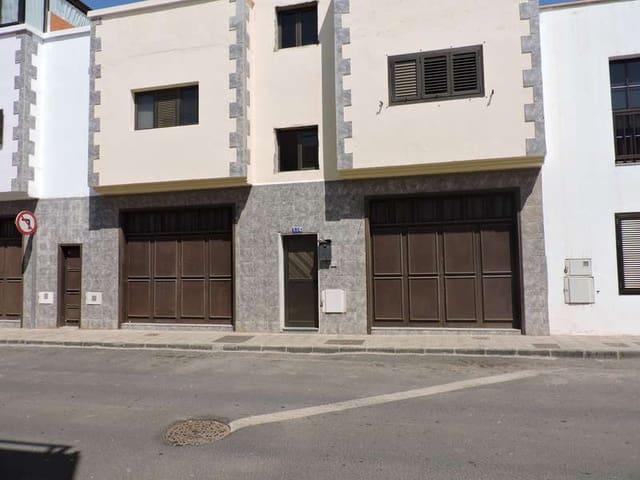 Erhverv til leje i Arrecife - € 350 (Ref: 4881281)