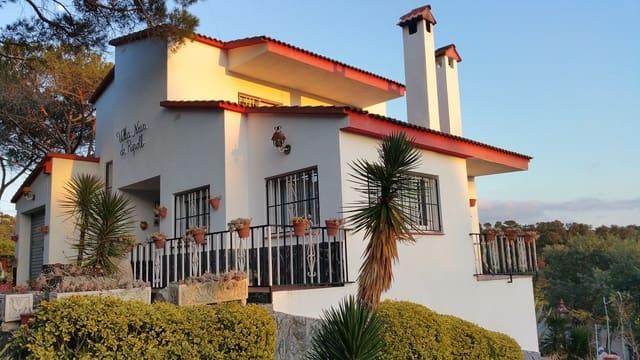 Chalet de 4 habitaciones en Maçanet de la Selva en venta con piscina garaje - 290.000 € (Ref: 5554429)