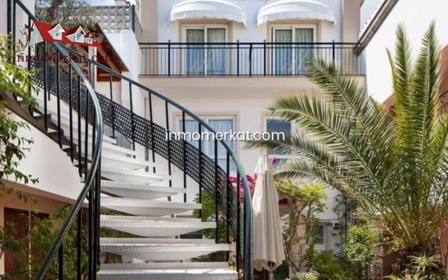 71 bedroom Hotel for sale in Lloret de Mar with pool garage - € 2,850,000 (Ref: 6170387)