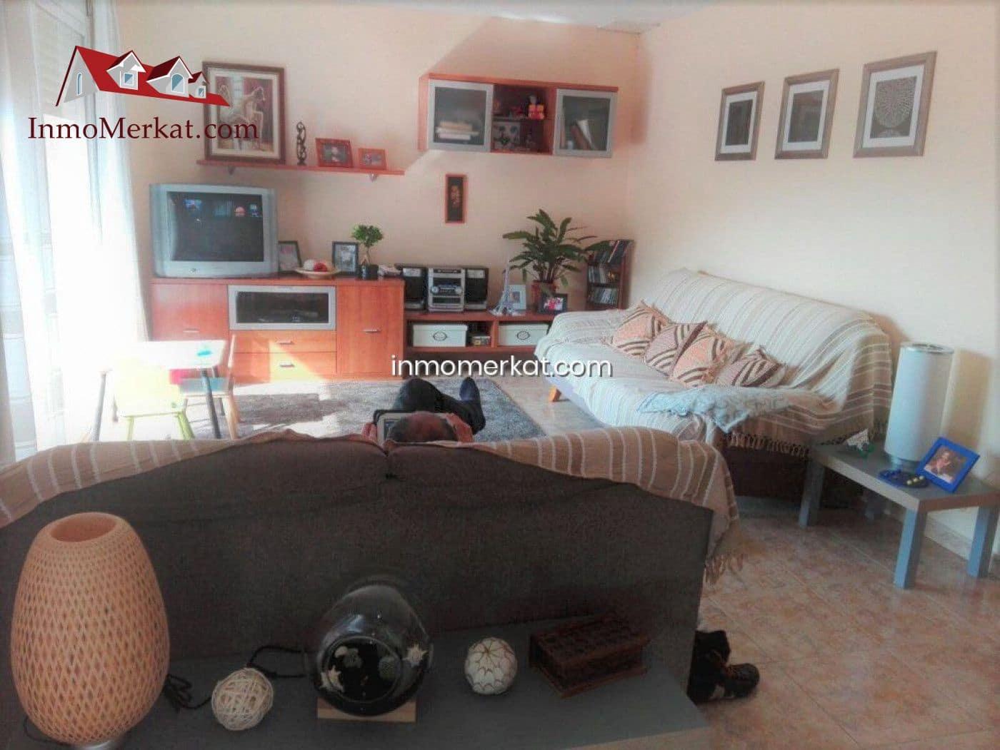 3 bedroom Villa for sale in Lloret de Mar with garage - € 245,000 (Ref: 6170437)
