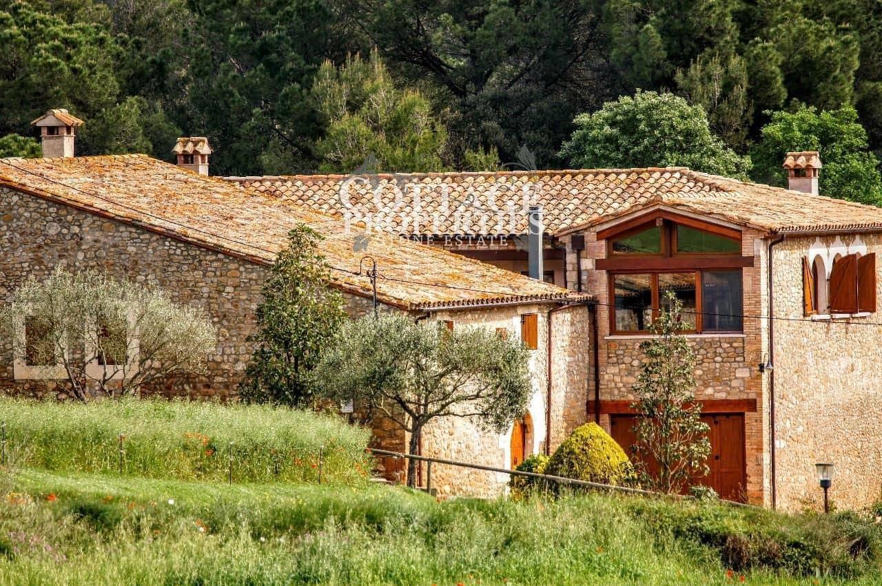 8 sypialnia Finka/Dom wiejski na sprzedaż w Vilademuls z basenem garażem - 1 690 000 € (Ref: 4977123)